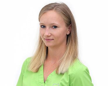 Adina Schwichtenberg | Assistenz | Zahnarztpraxis Dr. Wöschler
