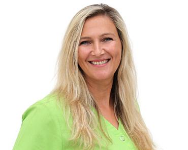 Nathalie Klass | Assistenz | Zahnarztpraxis Dr. Wöschler
